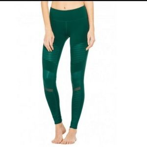 ALO Mid-rise Moto Leggings - Evermint